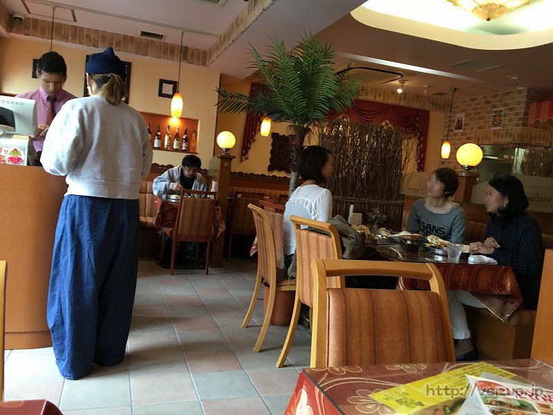 インド料理/タイ料理のDippalace(ディップパレス)の店内の様子