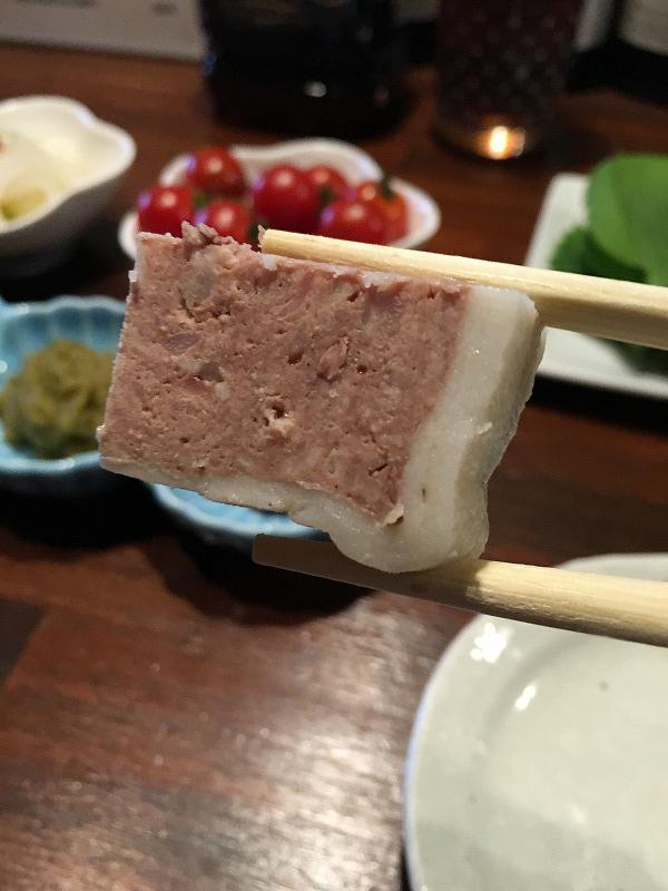 吉祥寺「肉山」お肉のパテのアップ