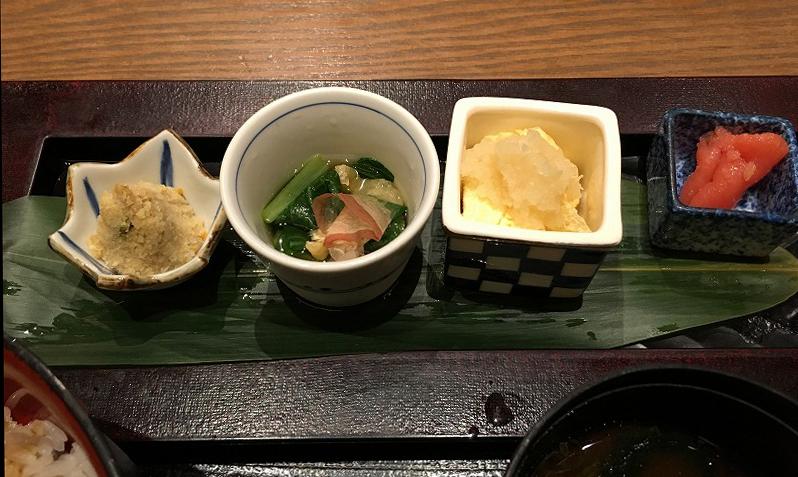 百膳 ひつまぶしセットの小鉢