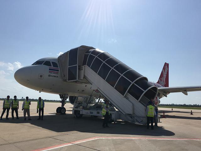 ドンムンアン空港からカンボジアのシュリムアップ空港へ