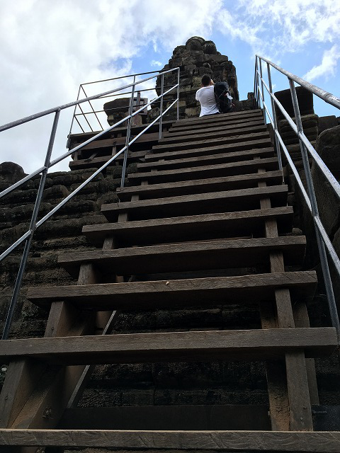 アンコールトムの急な階段