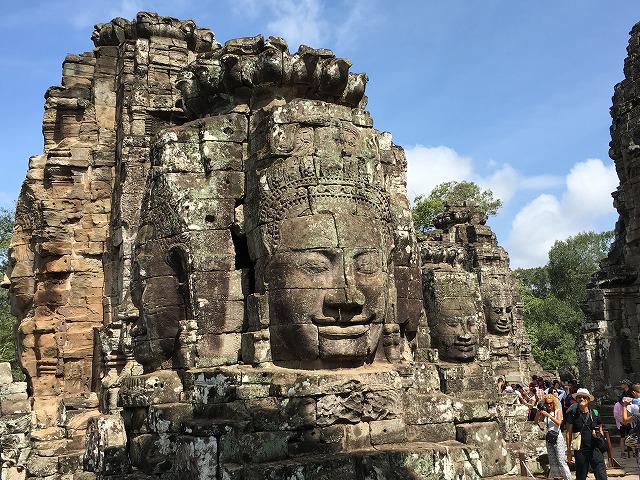 アンコールトムの仏像の顔