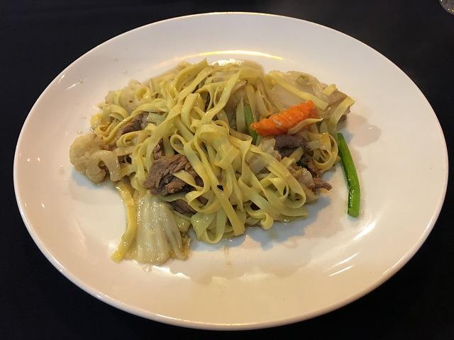 野菜と牛肉のヌードル