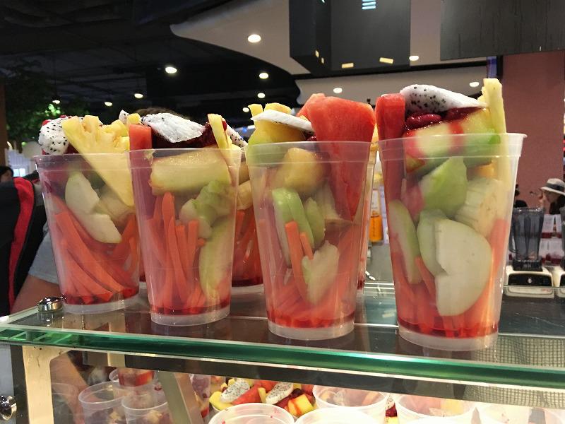 Terminal21のフードコートのミックスフルーツジュース