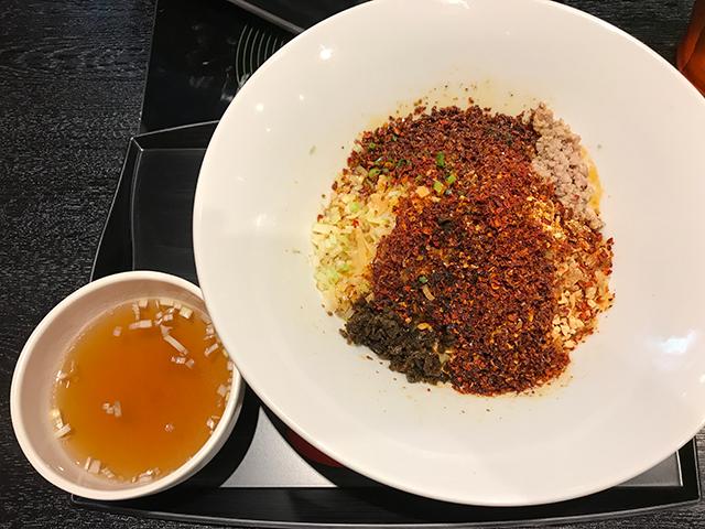 ファイヤーホールの担々麺